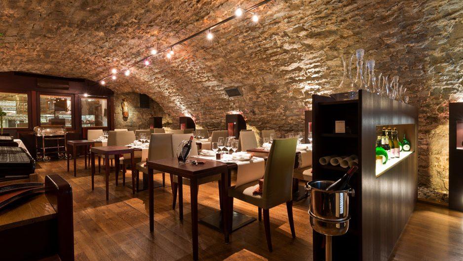 https://hotel-laurentius.de/wp-content/uploads/2020/01/tile-restaurant-background-03.jpg